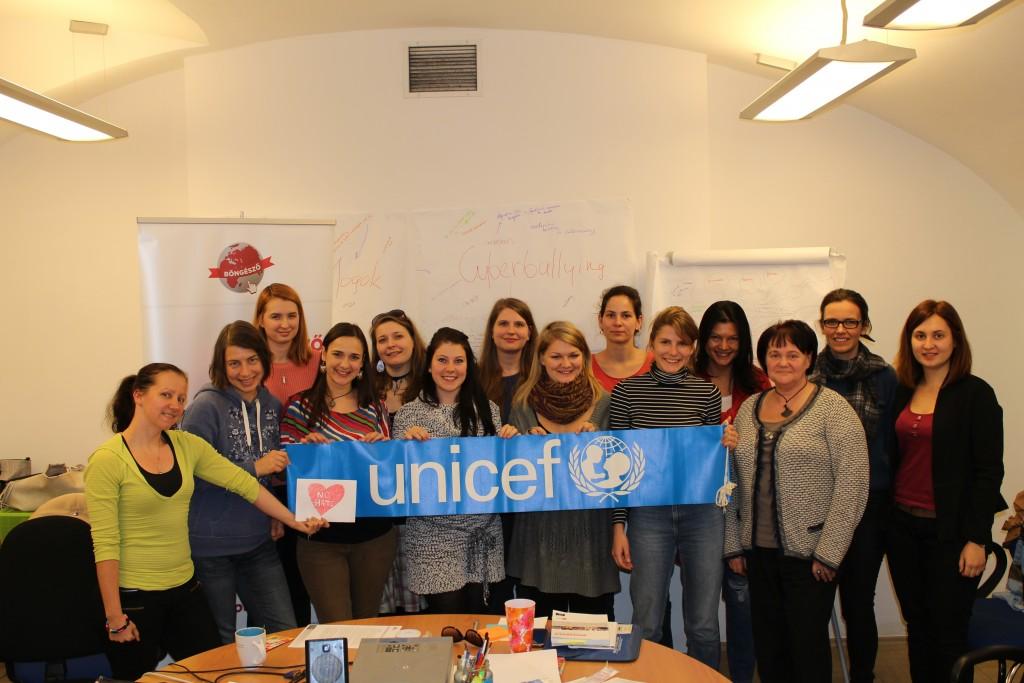 Böngésző az UNICEF Ébresztő-óráin